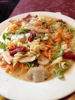 Tri-color fusilli with chicken
