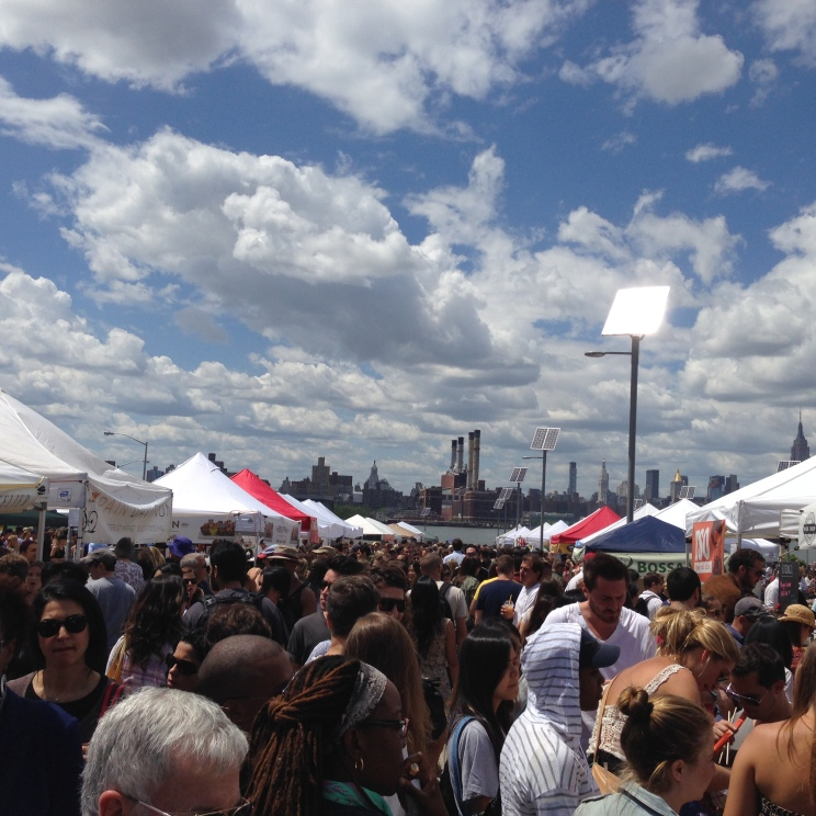The busy crowd at Smorgasburg!